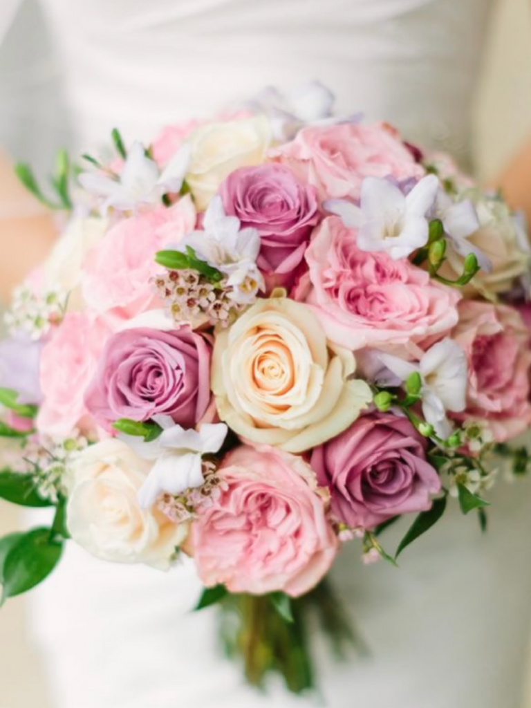 wedding bouquet soft pastels